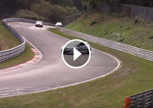 Nürburgring: Renault Megane Coupé RS in drift spettacolare [Video]