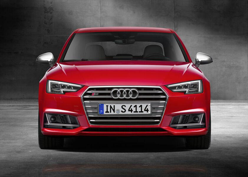 Audi S4 (4)
