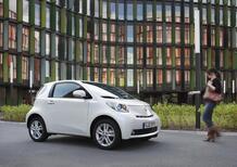 Toyota iQ: debutta negli USA con marchio Scion