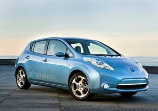 Nissan LEAF: annunciati i prezzi italiani