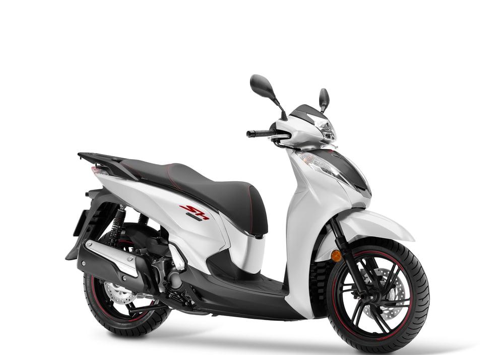 Honda Sh 300 I Abs 2016 19 Prezzo E Scheda Tecnica Motoit