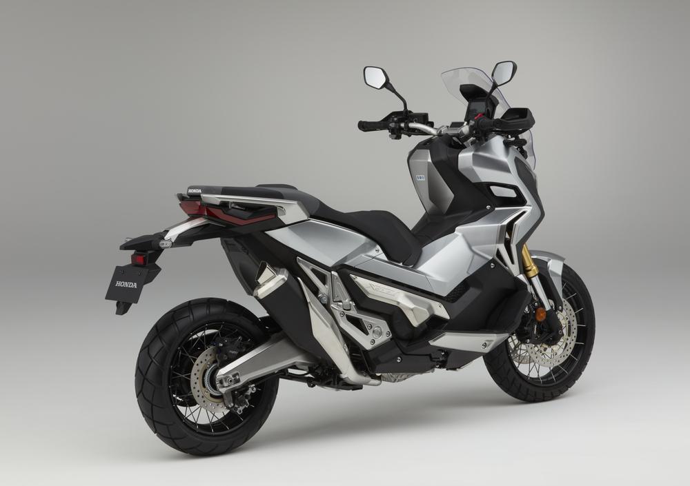 honda x-adv 750 (2017), prezzo e scheda tecnica - moto.it