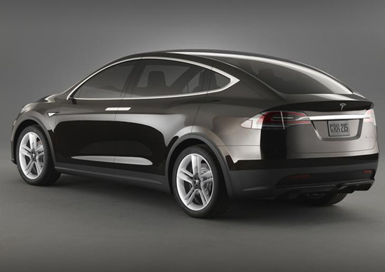 Tesla Model X: registrate già 500 ordinazioni