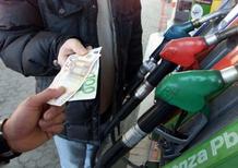 Carburanti: lo Stato aumenta le tasse, ma incassa sempre di meno