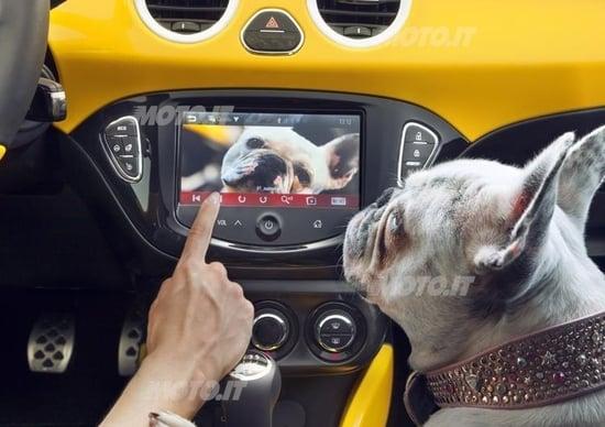 Opel Adam: ecco come funziona il sistema multimediale IntelliLink