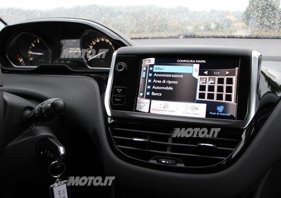 Peugeot 208: i segreti del sistema multimediale Touchscreen SMEG