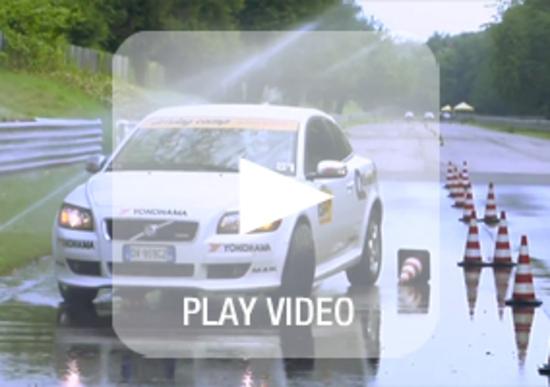Corsi di guida sicura: come impostare una frenata di emergenza