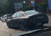 Mercedes: sorpresa a Milano una vettura in fase di collaudo