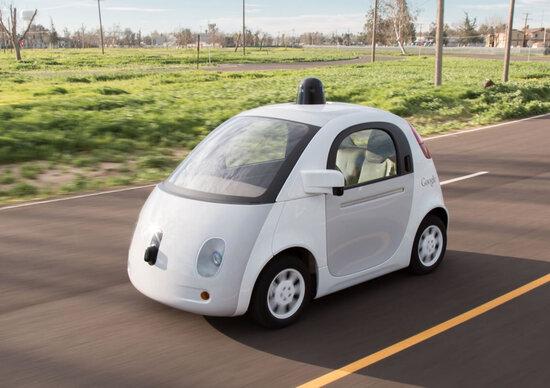 Google abbandona l'auto a guida autonoma?