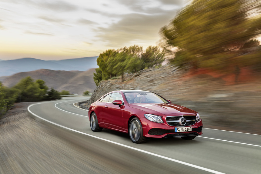 Nuova Mercedes Classe E coupé 2017: eccola in abiti sportivi. Arriva a Detroit [Video] (2)