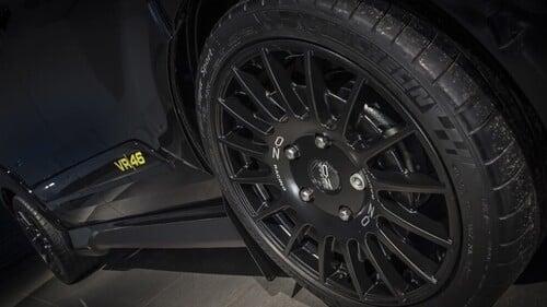 Ford omaggia Valentino Rossi: ecco Transit e Ranger VR|46 Edition (8)