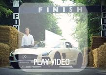 Goodwood: Coulthard ne percorre il tracciato con la SLS AMG