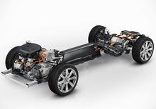 Nuova Volvo XC90, svelati i motori: Plug-In Hybrid da 400 CV e addio ai cinque cilindri