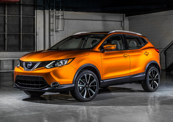 Nissan Rogue Sport, Qashqai restyling in anticipo