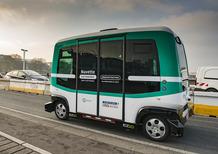A Parigi arrivano i minibus a guida autonoma [Video]