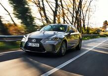 Nuova Lexus IS 300h: superato il milione si rifà il trucco [Video primo test]