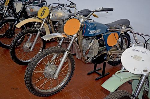 Gli ultimi modelli da cross sono stati i Griffon 360 e 380, dotati di un tipico cilindro con due condotti di scarico separati. Il telaio non aveva più la trave anteriore in lega leggera ma era interamente in tubi e la forcella era telescopica