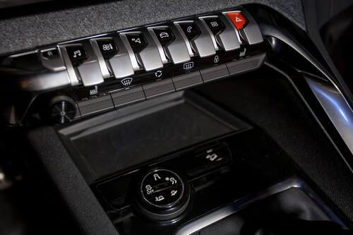 Nuova Peugeot 3008 Scopri Gli Interni Nel Video A 360
