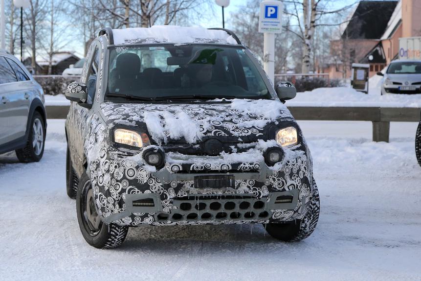 Fiat Panda: ecco le foto spia del restyling 2017