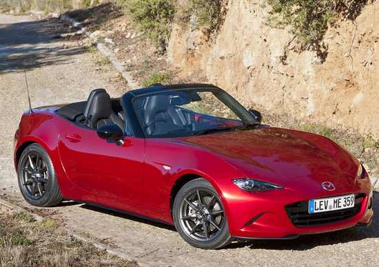 Nuova Mazda MX-5: costa ancora meno! Prezzi (per l'Italia!) e scheda tecnica