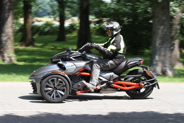 Manopole manubrio manopole moto e scooter Trike Nero gomma GS.