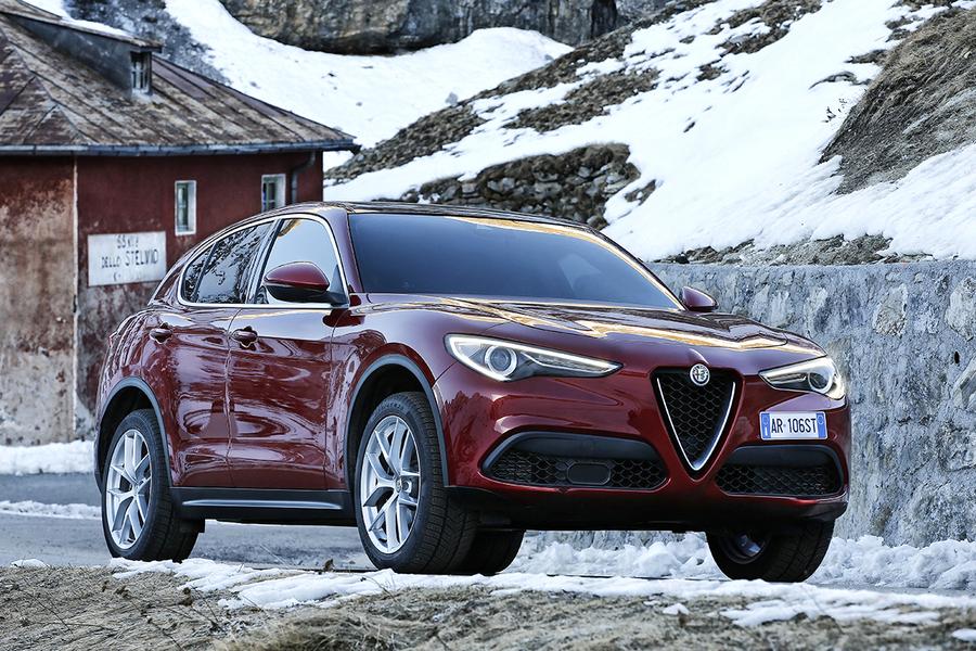 Alfa Romeo Stelvio (2017->>) (4)