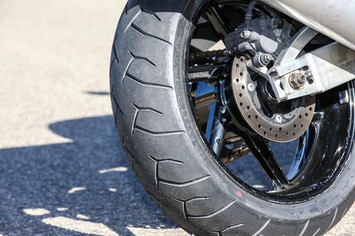 La Pirelli Diablo montata al posteriore in misura 180/55