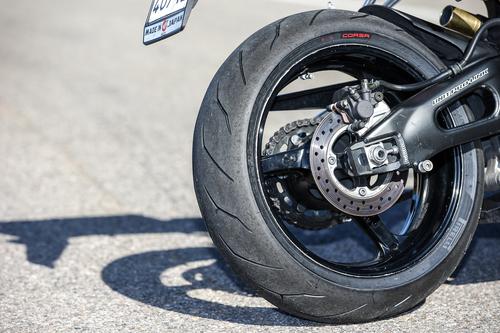 Il posteriore calzato Diablo Rosso Corsa nelle misure 190/50