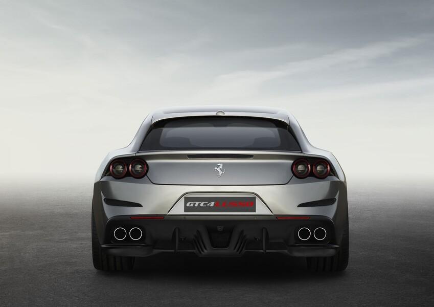 Ferrari GTC4Lusso Coupé (4)